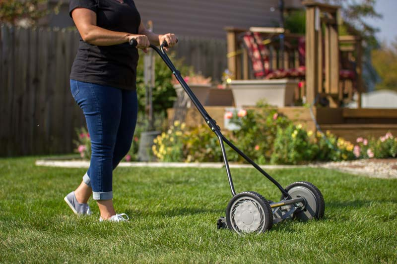 Great States 415-16 cutting lawn