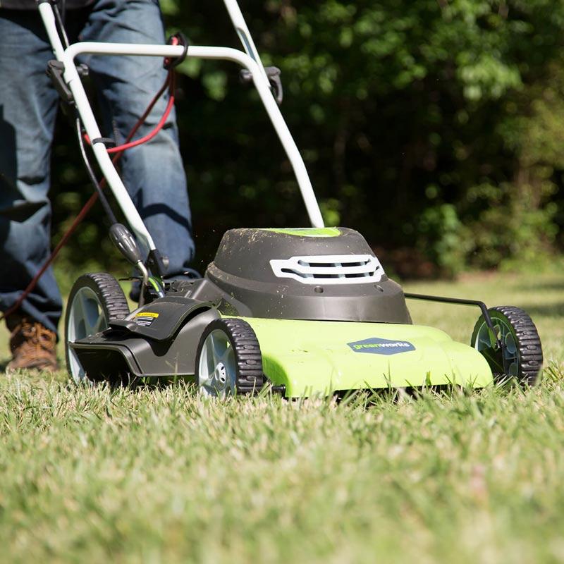 Greenworks 25022 Lawn Mower cutting grass