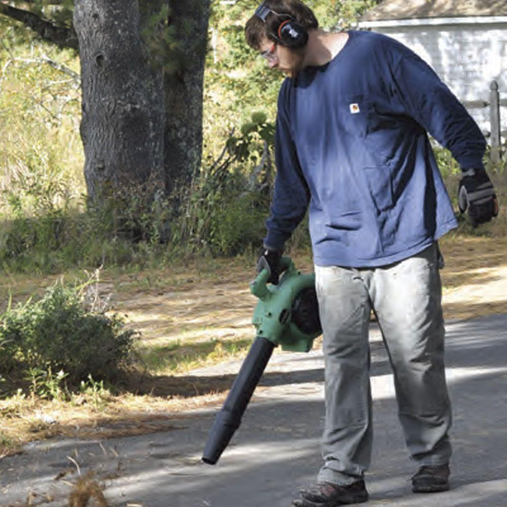 Hitachi RB24EAP Leaf Blower in use