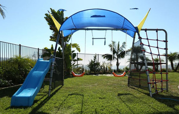 Ironkids Challenge 100 Metal Swing Set with Ladder Climber